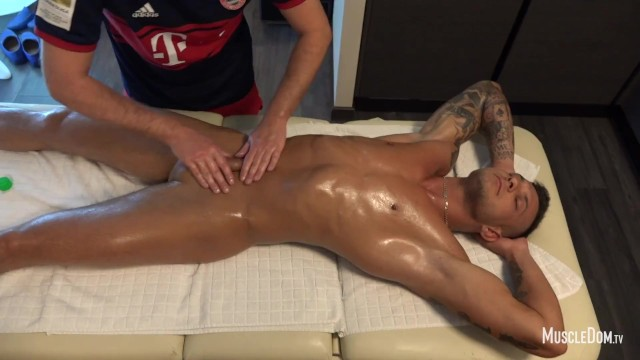 Gay hathaway Muscle massage