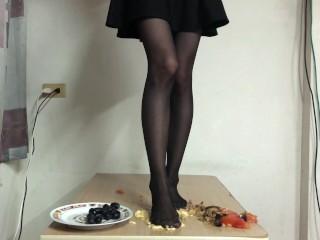 Pantyhose food crushing...