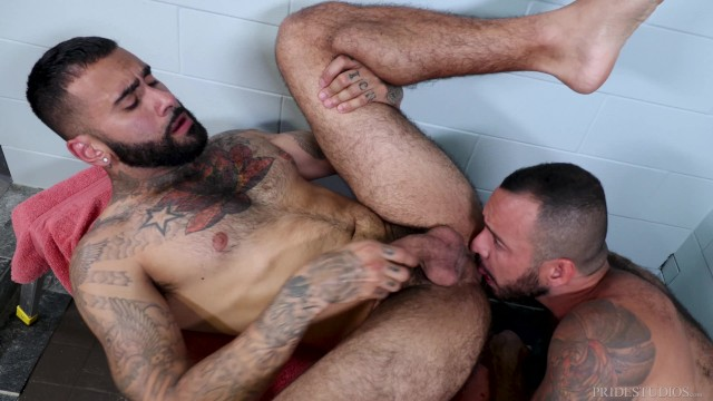 Hairy twink dicks Menover30 - hairy hunks post-workout shower sex
