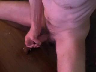 Fit porn masturbating with cumshot hot...