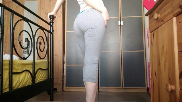 #PHMILF milf in grey yoga pants and big ass teasing 5