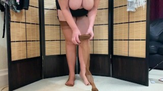 Mature Milf Pulls on her Fully Fashioned Stockings