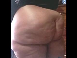 Ebony bbw with beautiful body twerking...