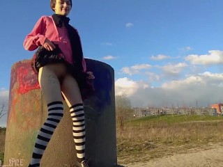 How Did Nobody Spot Her? Risky Public Flashing Right Behind People In Park
