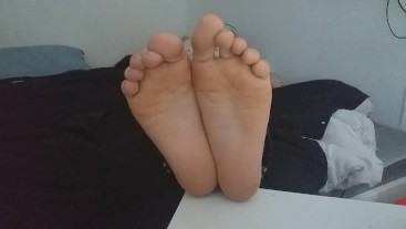 My Smelly Tied Feet UP CLOSE