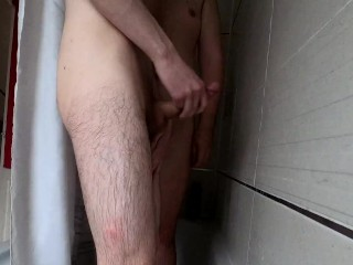 Hung twink sucks his daddys dick and jerks...