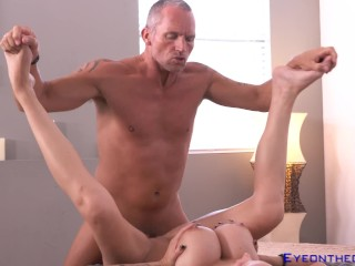 Hold Onto Your Tits Mckenzie Marcus London Is Cuming In For A Landing
