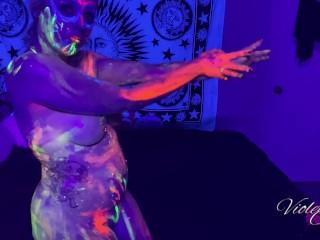 Slow and sensual glowpaint oil dancing...