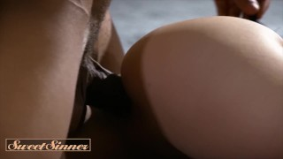 Sweet-Sinner—Blindfolded-Therapist-Aidra-Fox-gets-kinky-with-some-BBC