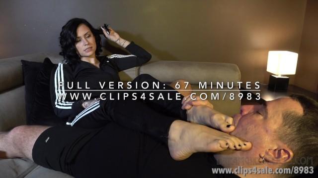 Sweaty stinky foot fetish Polinas sweaty feet challenge - dreamgirls in socks