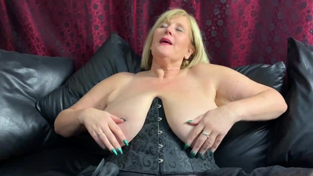 Fully fashion stockings porn Big tit, mature slut pounds her wet pussy with thick, black dildo
