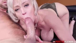 PORNSTARPLATINUM Big Titty MILF Dee Williams Blows Huge Cock
