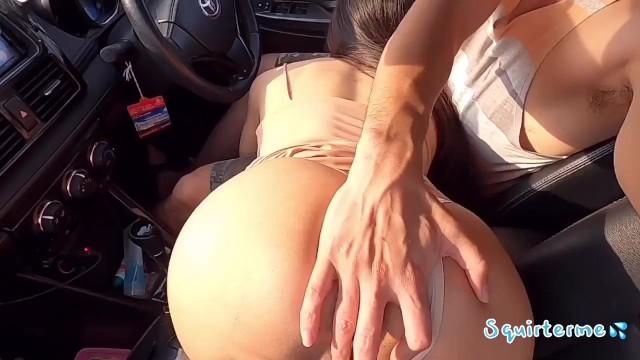 คลิปโป้เสียงไทย โม้กควยในรถวีออสข้างถนนระยอง เงี่ยนแต่หัวัน นั่งขย่มควยคาเบาะคนขับต่อ หีอย่างสวย ภาพชัดจาก Thailand Pornhubber