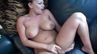 Perfect MILF Using Her Wet Fingers Just To Play Her Pussy