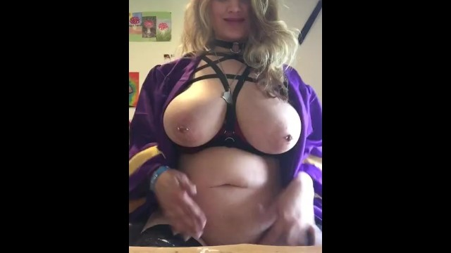 Graduation gown sex 2020 18 year old graduate squirts on herself