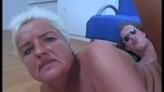 Oma Claudia...jetzt gehts zur Sache (3)