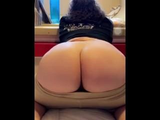 Twink jiggles ass...