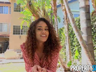 PropertySex Young Attractive Real Estate Agent Comes with Perks