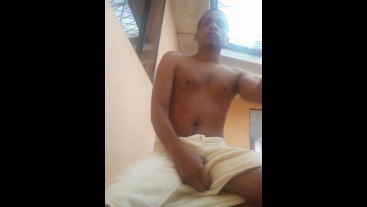 jerking off before bath for you my thick milk