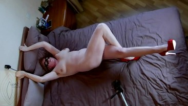 Legs up syntribation amateur orgasm