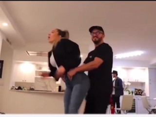 YouTuber humps girlfriend with big tits and tight jeans