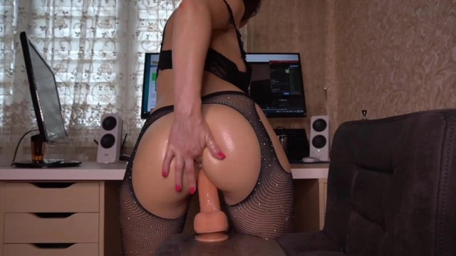 alyssa_pusy in finger in the rich ass