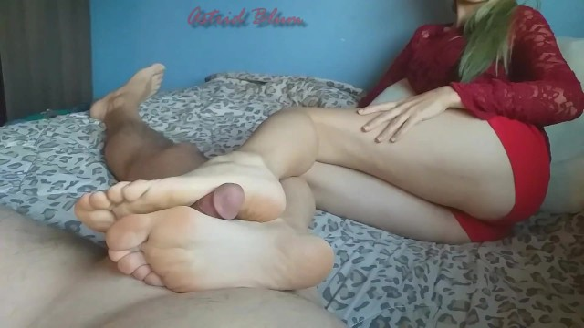 Sexy high arch girl worship Girl jerks cock between her feet, sole and arches with hot footjob.