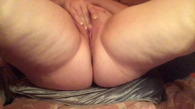 Got milf playing with pussy till cumming 7