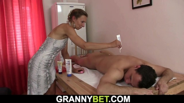 Granny mature older plumpers Hairy mature masseuse takes it from behind