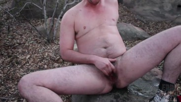 FTM Eddie Wood Masturbates on a Hike