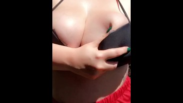 Titty bounce