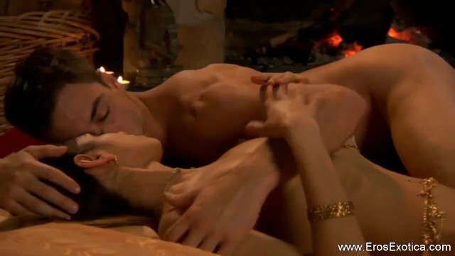 Eros in aries 2006 Cunnilingus pussy licking tutorial session of couple