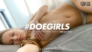 DoeGirls - 20Yo Russian Babe Mia Split Morning Pussy Play