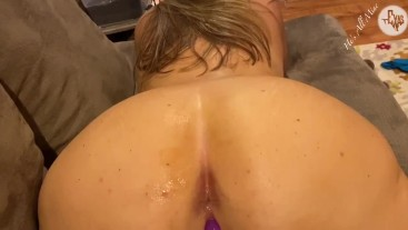 A quick fuck on the couch turned Hot, Wet , and full of Cum !