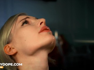 Stepsister gives Sloppy Blowjob and takes Messy Facial