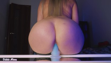 Round ass Vikki riding on mirror