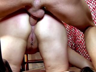 Kinky homemade anal threeway chubby latex sub slut...