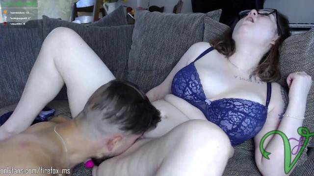 Eating wet pussy 10