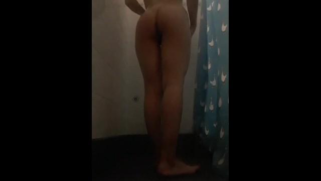 Mientras tanto en la ducha! 17