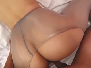 Curvy sexy milf pantyhose squirt...