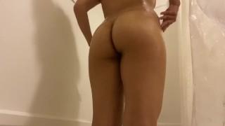 Big natural butt Miranda gives you a shower show