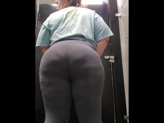 Ass shaking in gym locker room