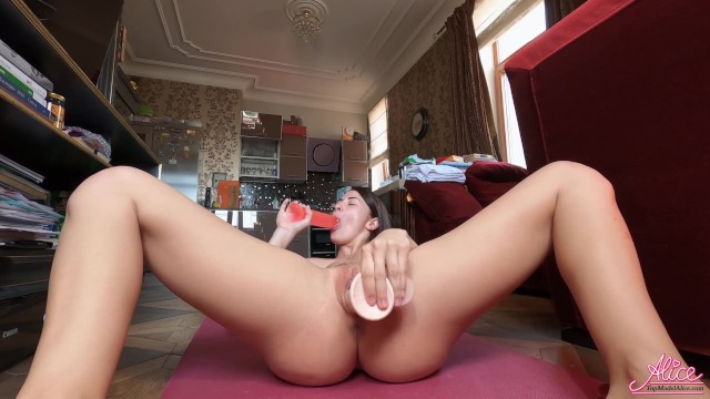 Adult freebies samplers Babe shows favorite adult toys - solo and orgasm closeup