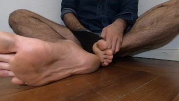 Latino hairy boy fucks his cock in the boxer and rubs his cum on his feet
