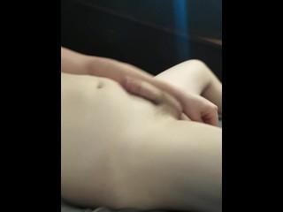 Sexy cums fast cumshot...