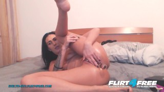 Evelyn Evy on Flirt4Free - Sexy Brunette with Pierced Pussy Fingers Her Ass When She Cums