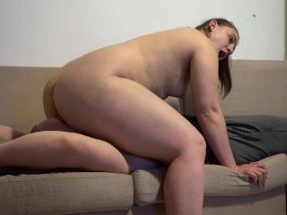 Pawg facesitting and face riding until she cums...