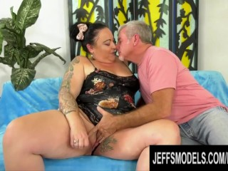 Calista roxxx has ass worshipped and plump pussy...