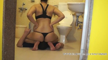 Plumber Gets A Stink face Knockout By Most Beautiful And Hot Mistress Heena