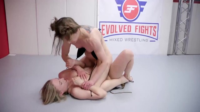 Naked picture of jewel Cheyenne jewel lesbian wrestling fight vs riley reyes going rough with a strapon fucking